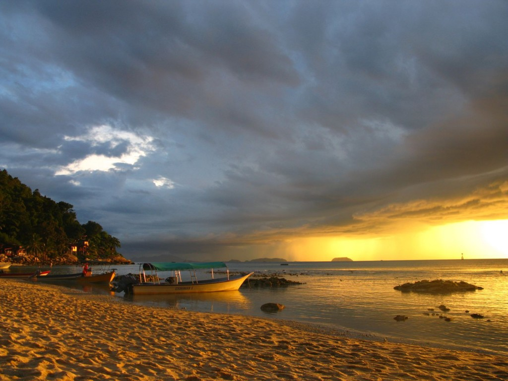 Perhentian Islands in Malaysia: Beautiful views, less beautiful spiders.
