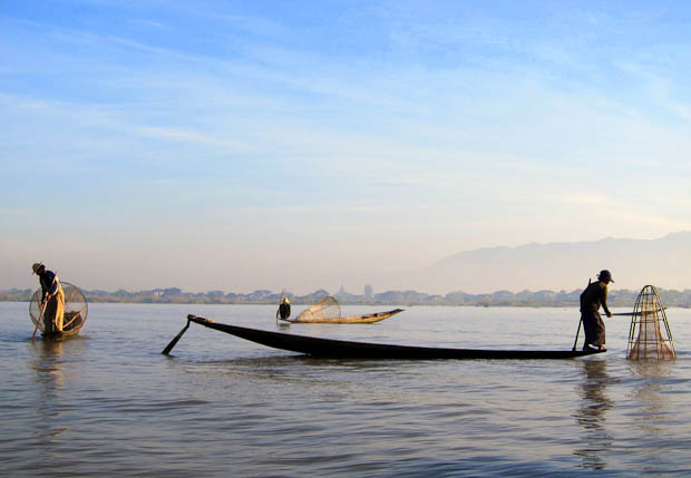 Inle Lake Burma- fishermen in the morning