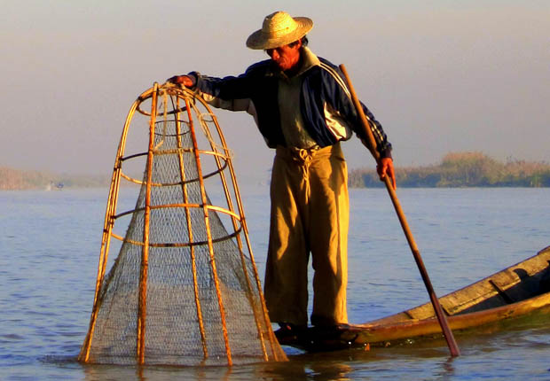 Inle Lake Burma- fishing